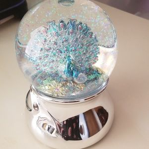 Peacock Revolving Musical water globe
